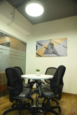 4 seaters Meeting Room New Delhi Connaught Place workspaze-connaught-place
