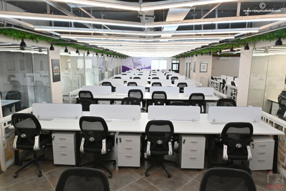 110 seaters Open Desk Lucknow Gomti Nagar incuspaze-summit