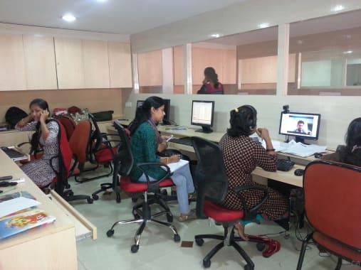 10 seaters Private Room Hyderabad Panjagutta comantra