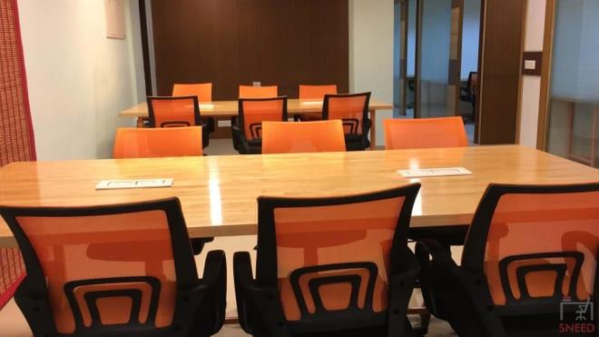 48 seaters Open Desk Noida Sector 10 delhi-co.-noida