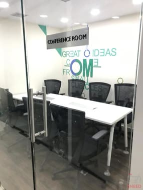 10 seaters Meeting Room Lucknow Vibhuti Khand qworky-gomti-nagar
