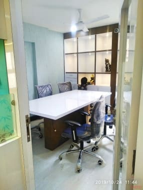 7 seaters Meeting Room Indore South Tukoganj span-coworking