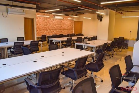40 seaters Open Desk Pune Viman Nagar work-cult