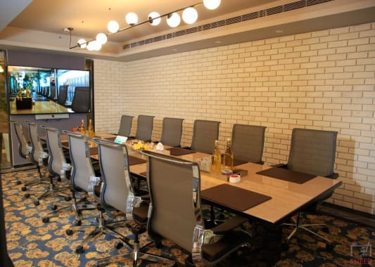 12 seaters Meeting Room New Delhi Connaught Place corporatedge-hindustan-times