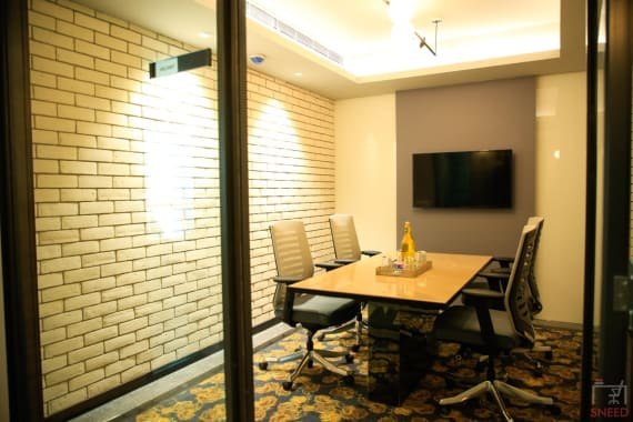4 seaters Meeting Room New Delhi Connaught Place corporatedge-hindustan-times