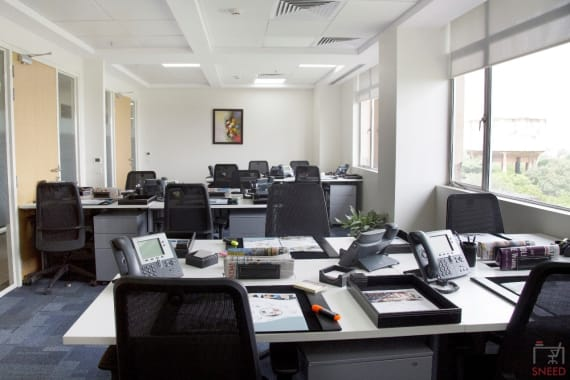 5 seaters Private Room New Delhi Nehru Place avanta-business-centre-itt
