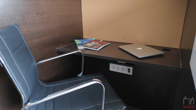35 seaters Open Desk Bangalore Electronic City emospace