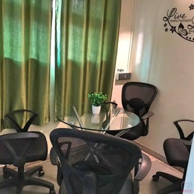 4 seaters Meeting Room Pune Kothrud workster-coworking