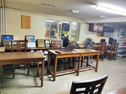 3 seaters Open Desk Kolkata Bhowanipore on-co-works