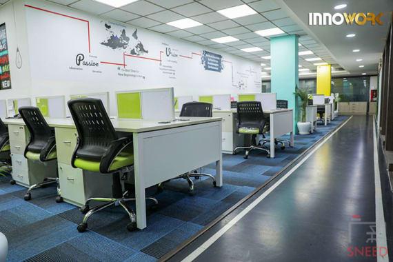 70 seaters Open Desk Noida Sector 16 innowork-noida