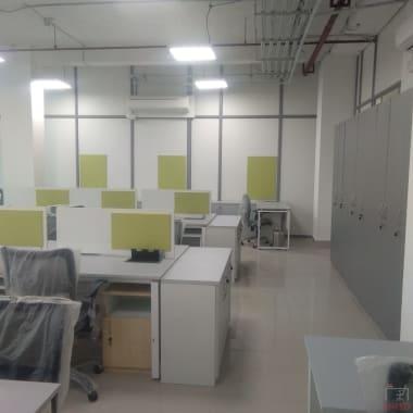 15 seaters Open Desk Noida Sector 107 mybranch-noida