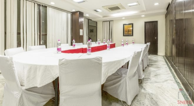 35 seaters Meeting Room Gurgaon DLF Phase 3 casa-cyber