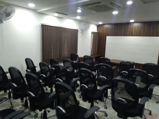 30 seaters Training Room Hyderabad Ameerpet manchaha-training