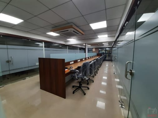Mumbai Malad west aurum-office-