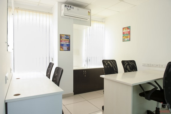 5 seaters Private Room Bangalore Malleshwaram share-studio-malleshwaram