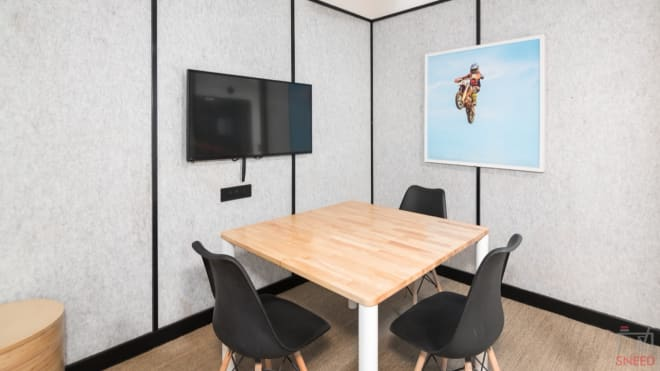 3 seaters Meeting Room Gurgaon DLF Cyber City wework-forum