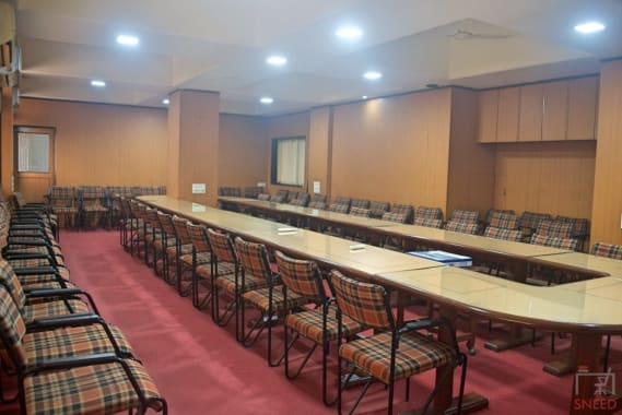65 seaters Meeting Room Mumbai Andheri West axcel-global-service