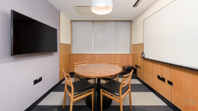 5 seaters Meeting Room Bangalore Domlur wework-embassy-golf-link