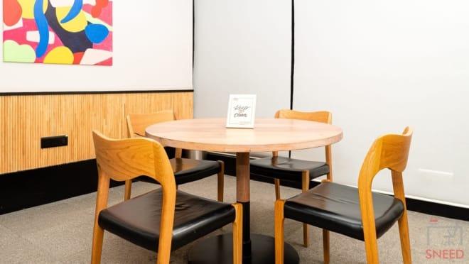 4 seaters Meeting Room Mumbai Andheri wework-masterpiece