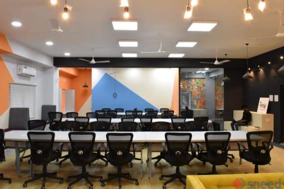 100 seaters Open Desk Bangalore HSR funda-spaces