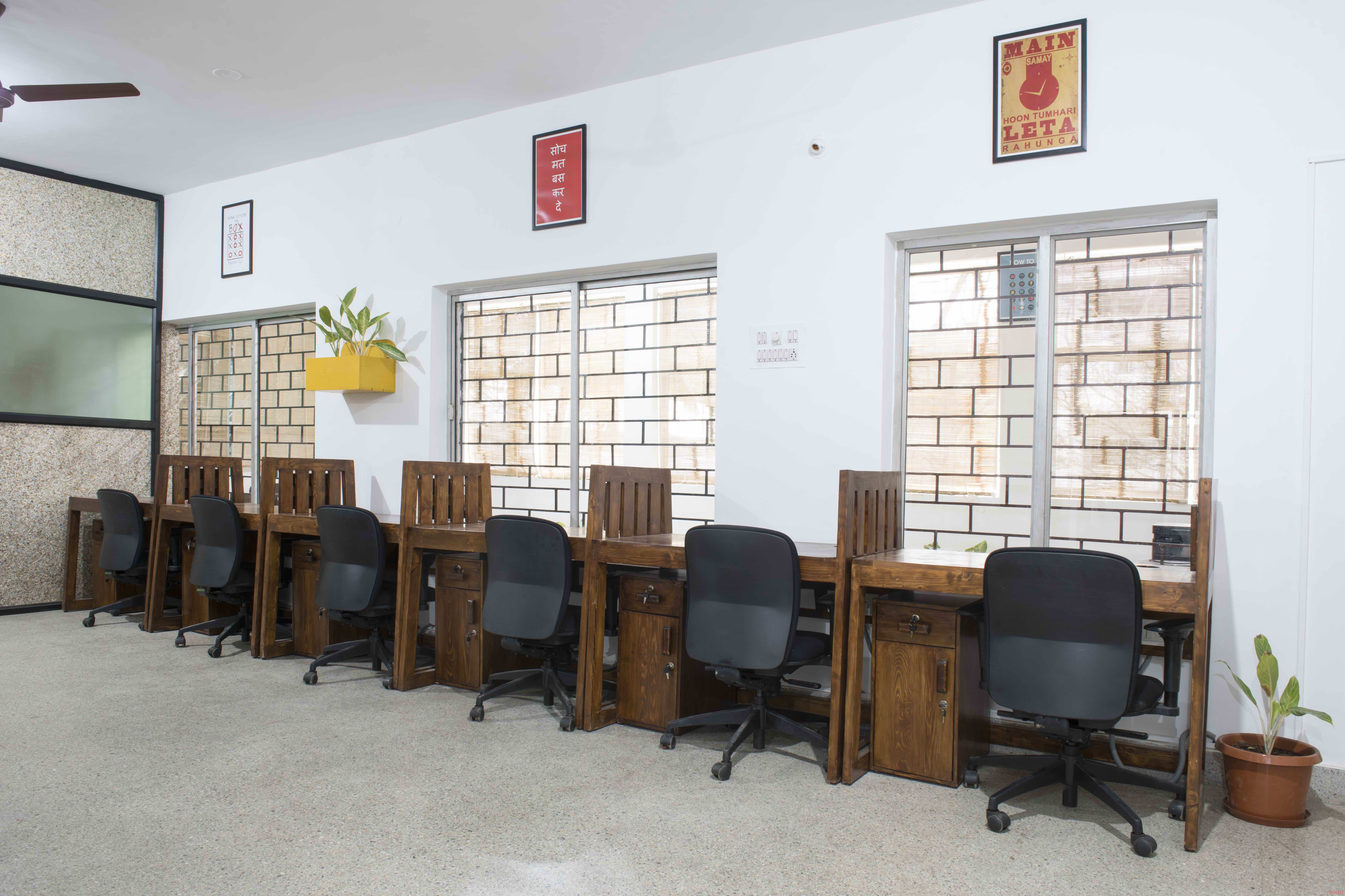 16 seaters Open Desk image