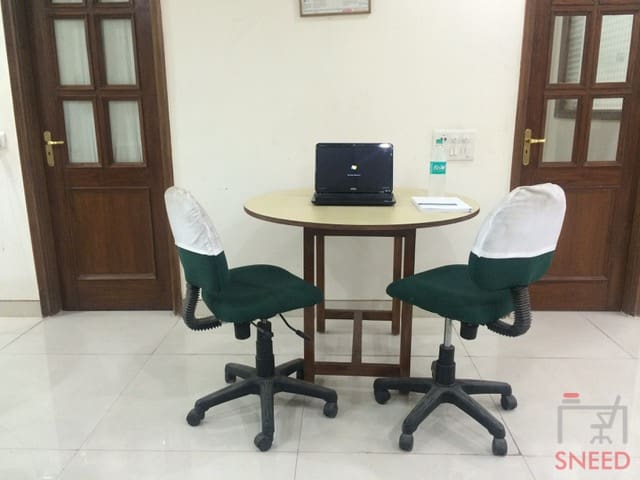 4 seaters Open Desk image