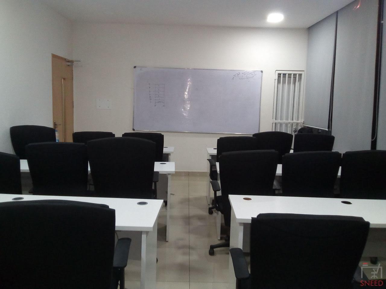 18 seaters Training Room image