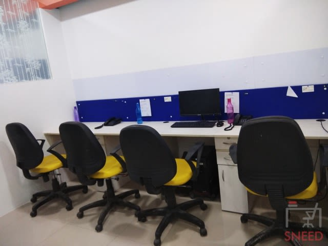 10 seaters Open Desk image