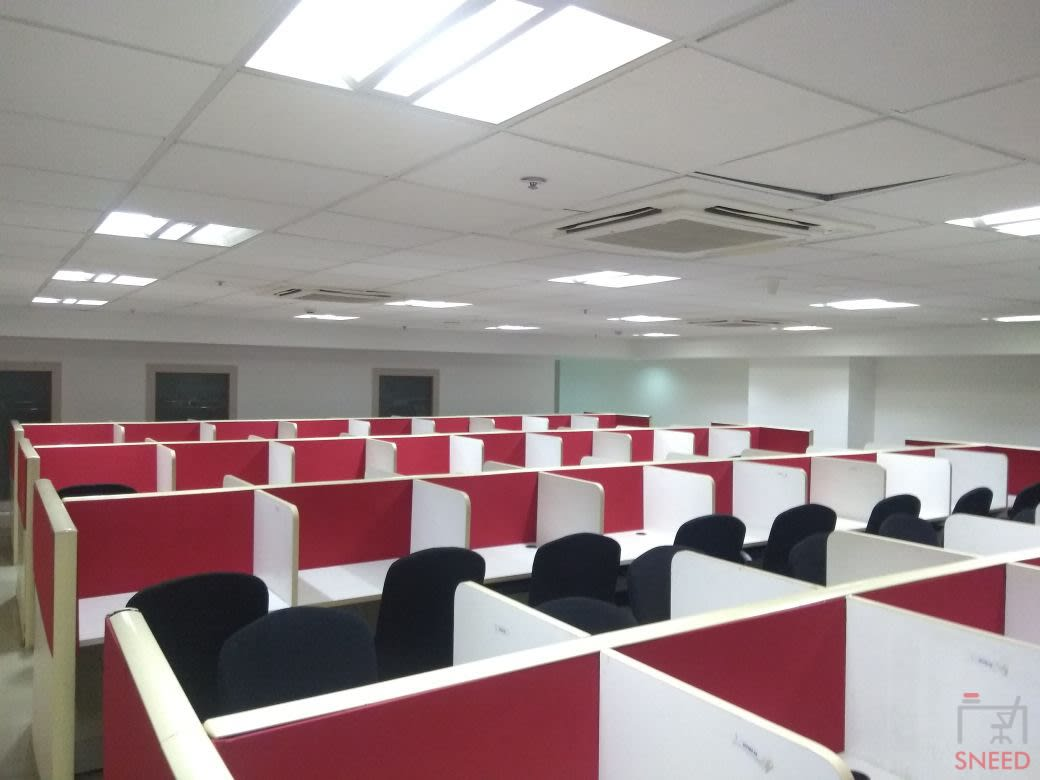 320 seaters Open Desk image