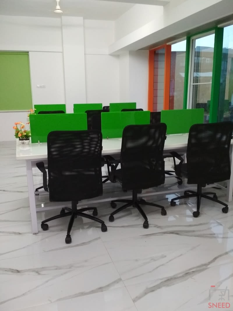 18 seaters Open Desk image