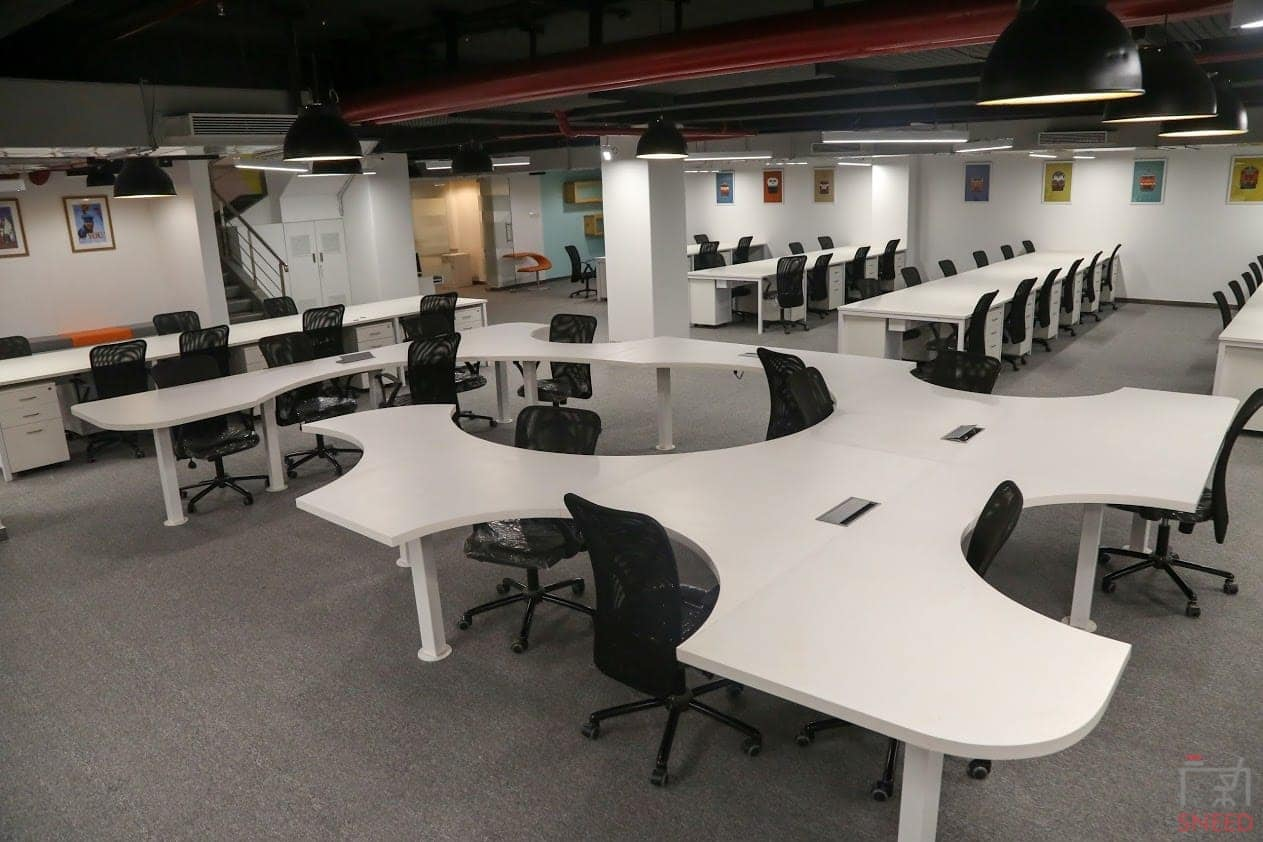350 seaters Open Desk image