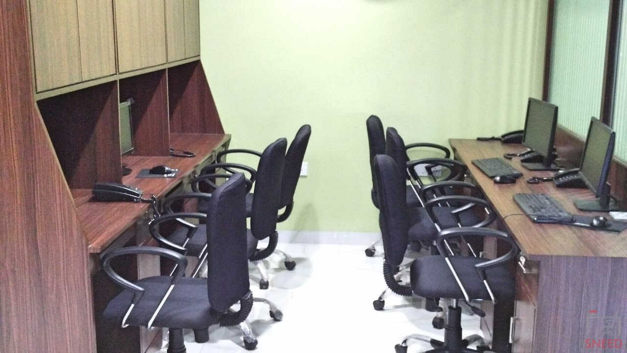 12 seaters Open Desk image