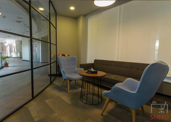 4 seaters Meeting Room image