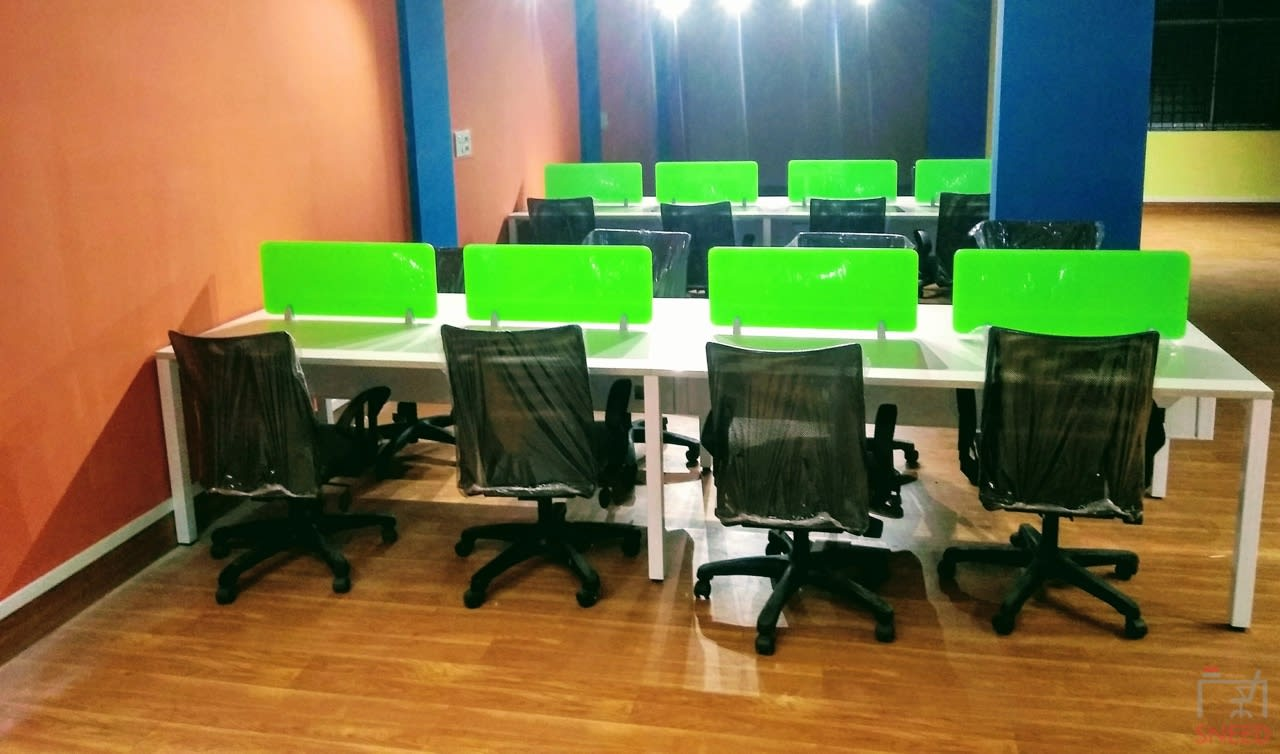 120 seaters Open Desk image