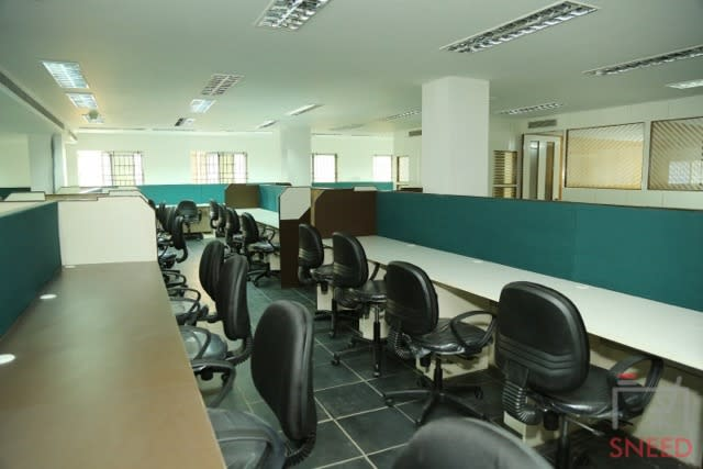 150 seaters Open Desk image