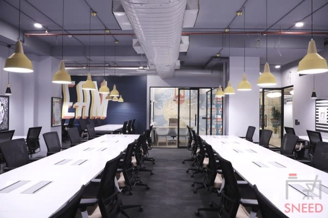 100 seaters Open Desk image