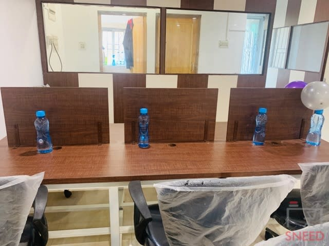 30 seaters Open Desk image