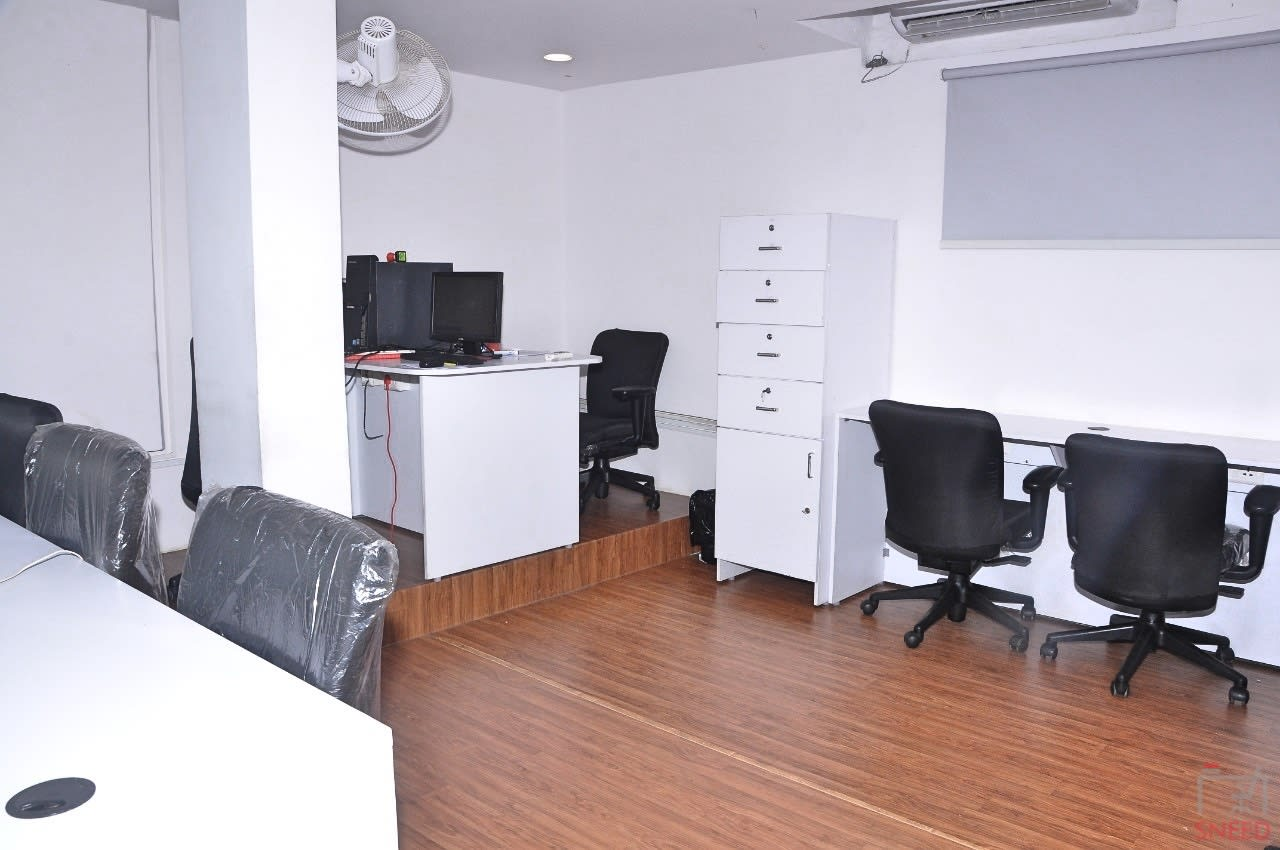 15 seaters Private Room image