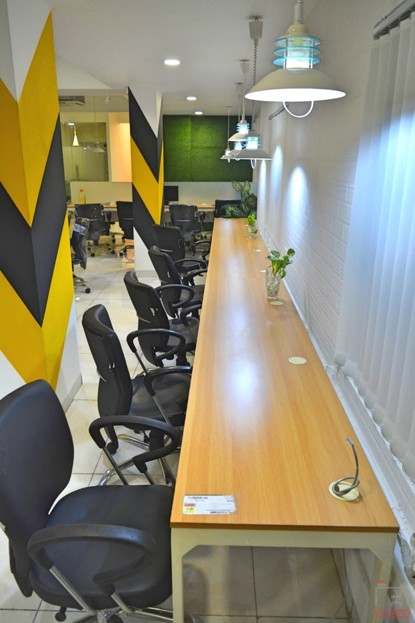 45 seaters Open Desk image