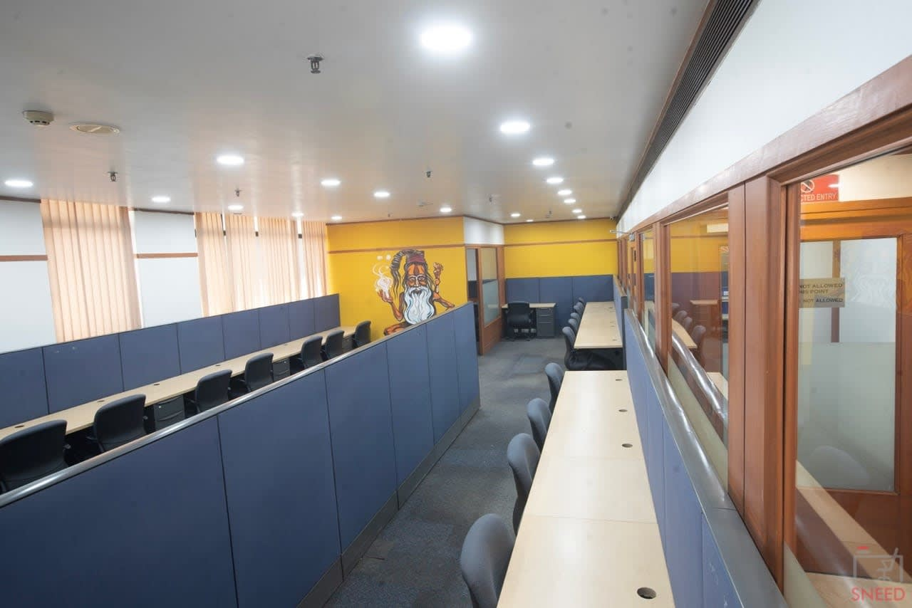 538 seaters Open Desk image