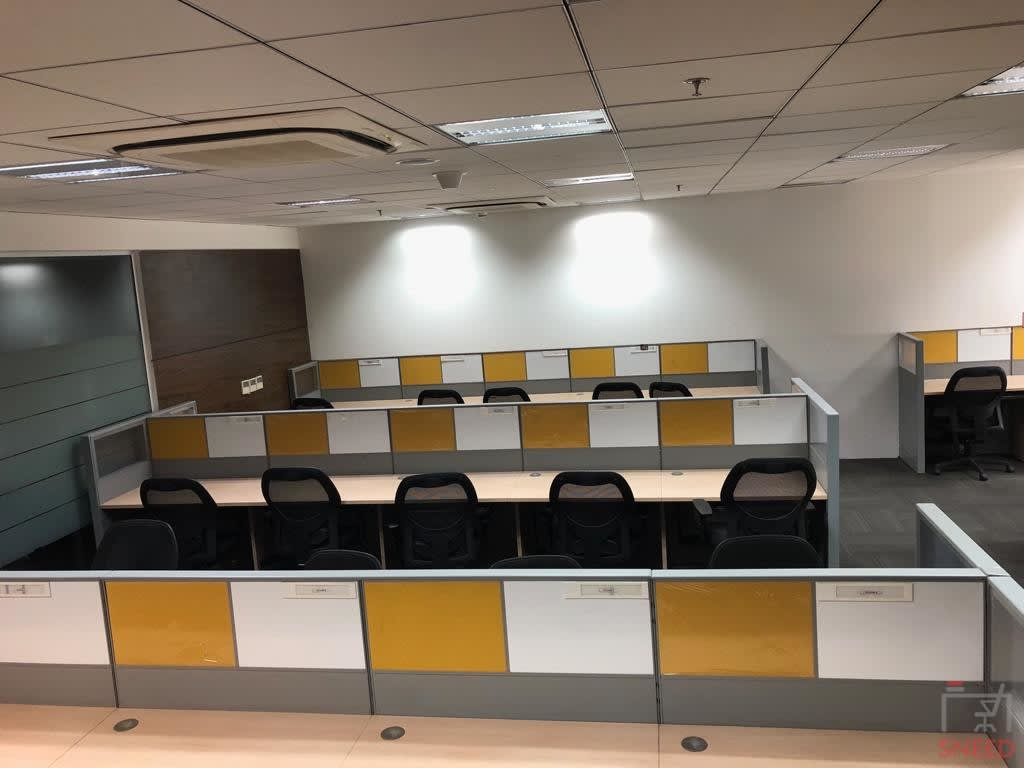 180 seaters Open Desk image
