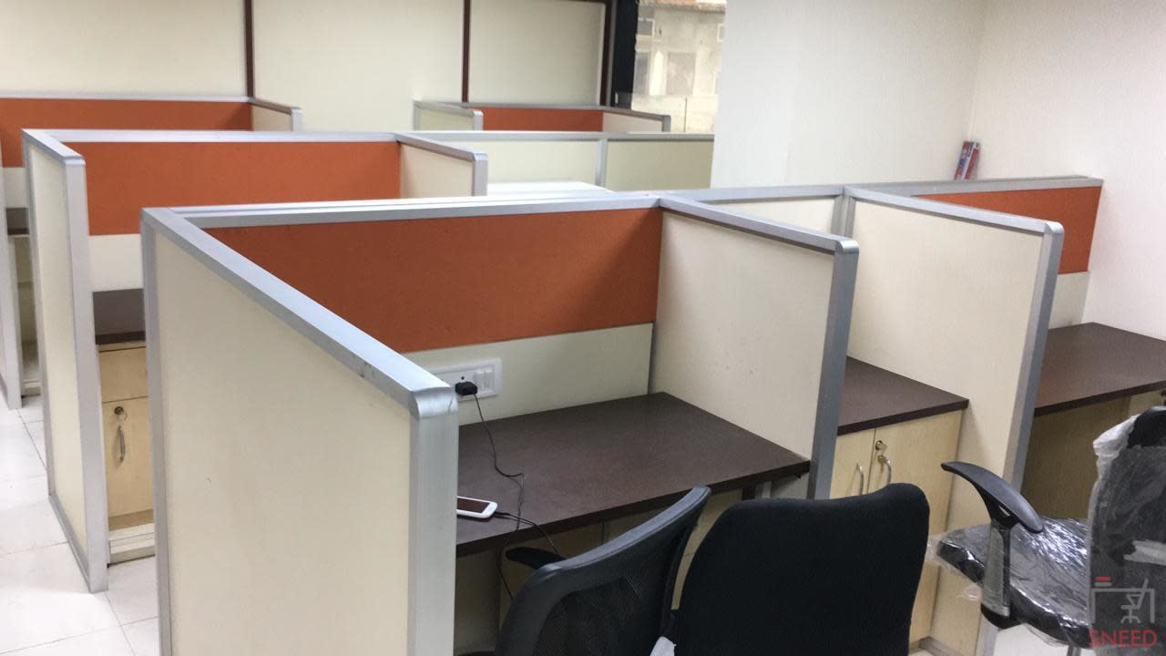 15 seaters Open Desk image