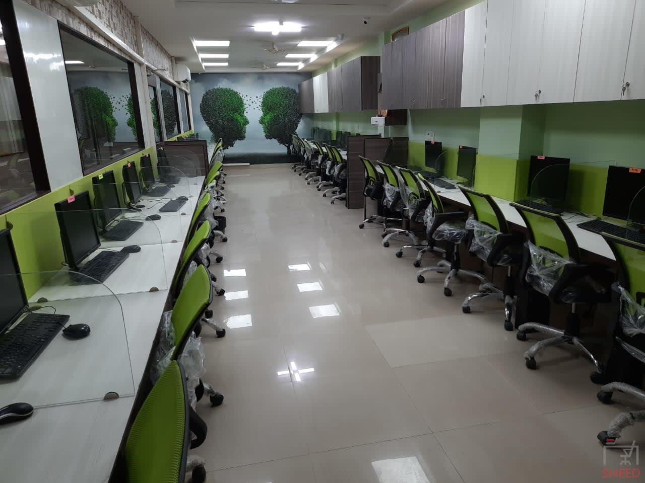 32 seaters Open Desk image