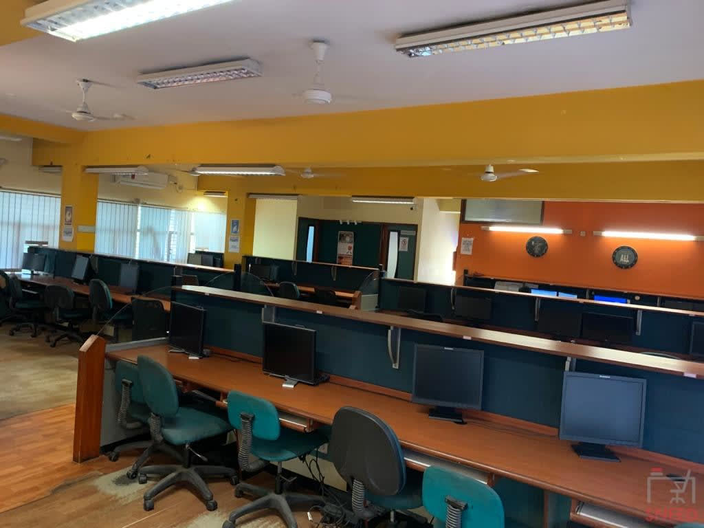 75 seaters Open Desk image