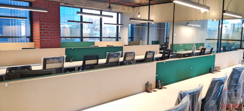 51 seaters Open Desk image