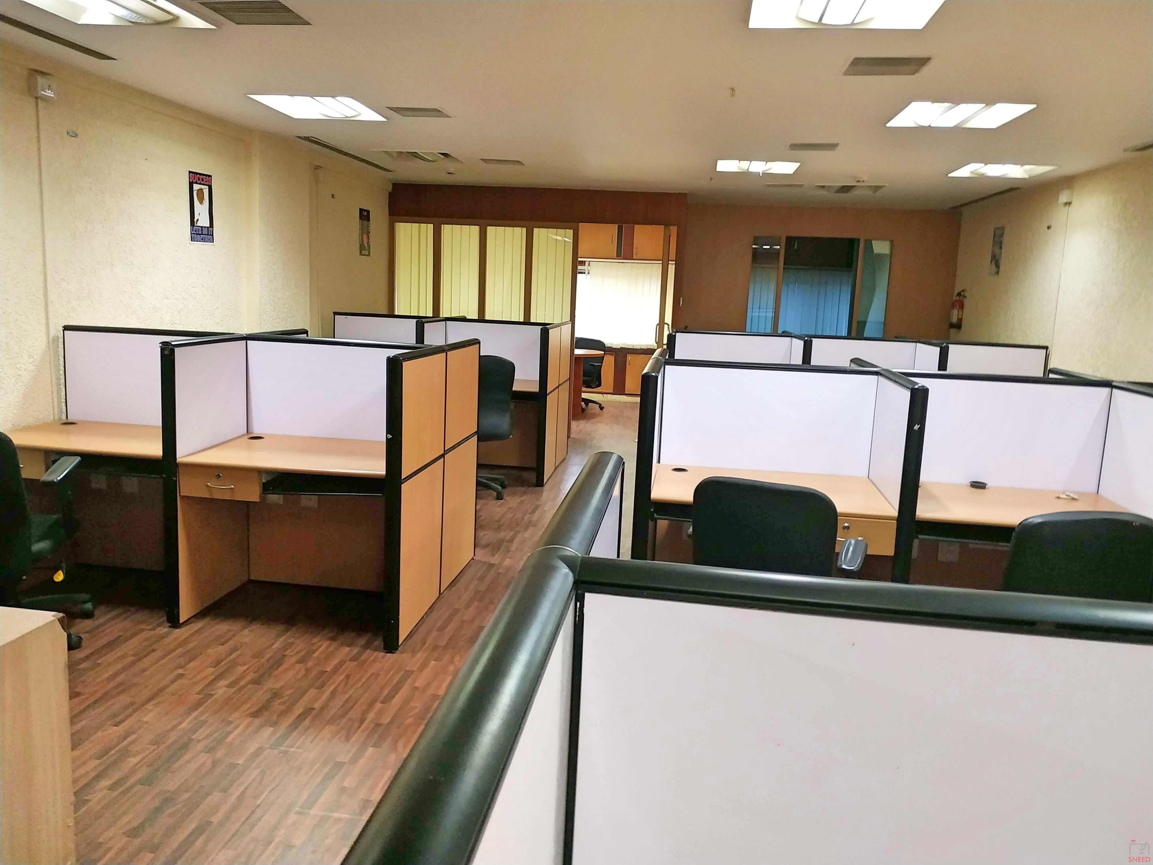 27 seaters Open Desk image
