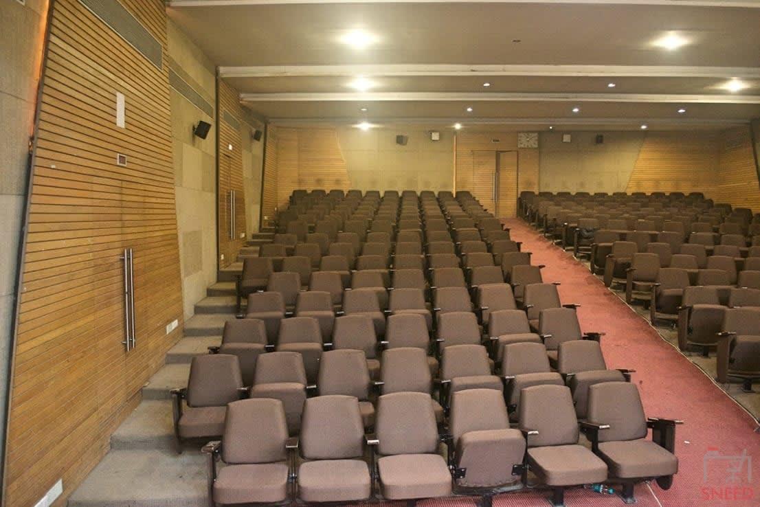 260 seaters Training Room image