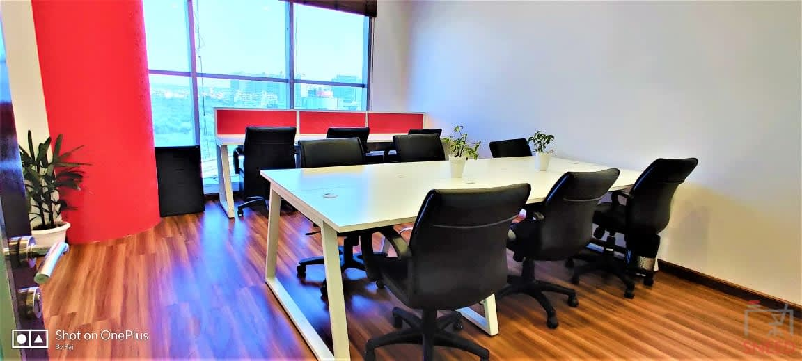 130 seaters Open Desk image