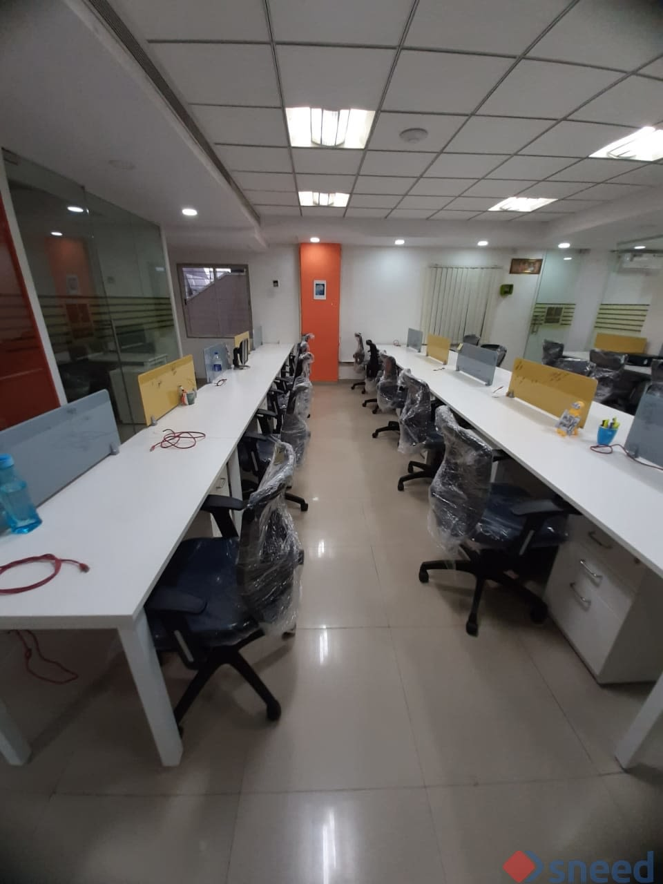 43 seaters Open Desk image