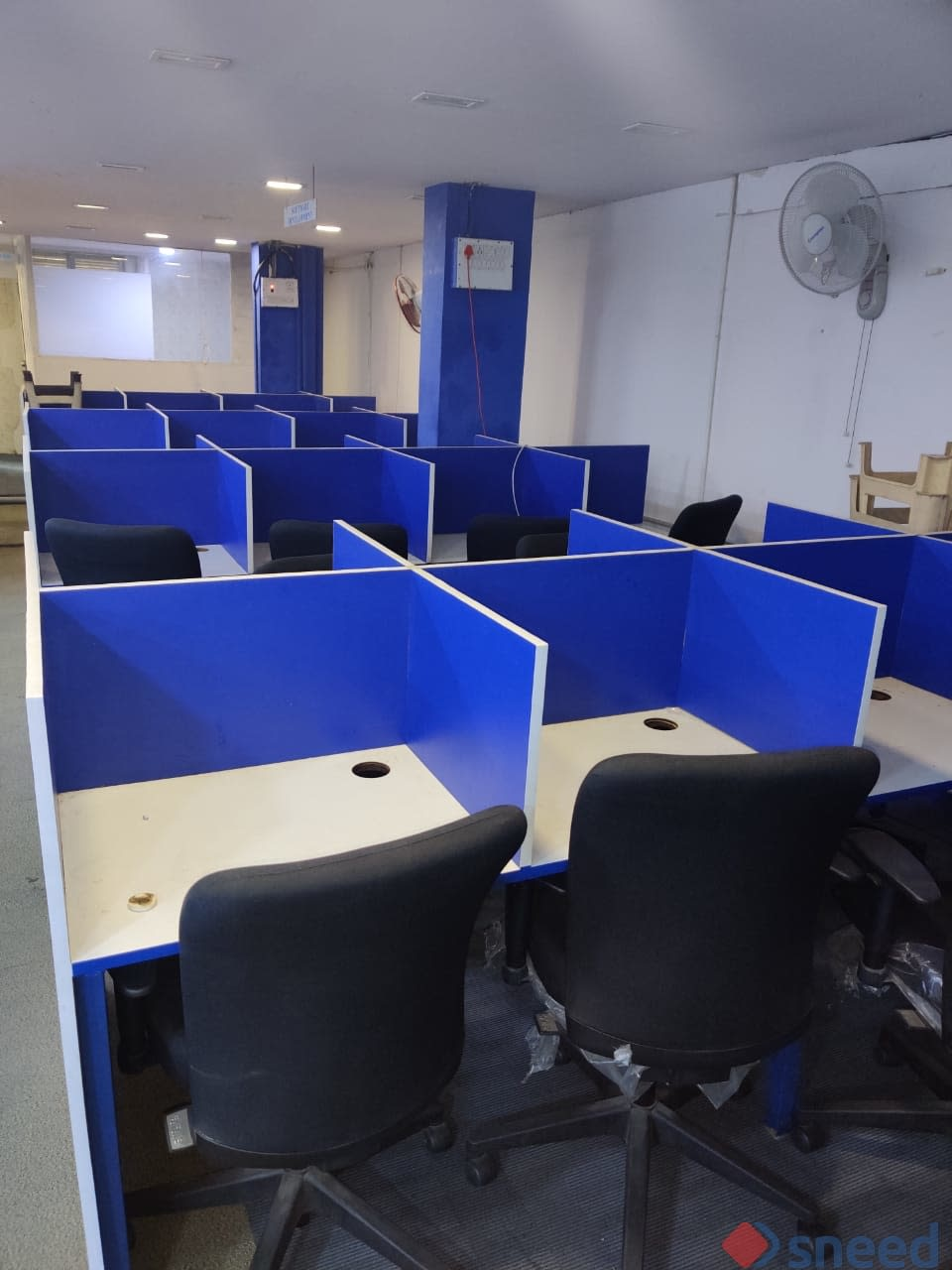 49 seaters Open Desk image